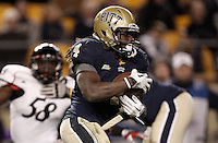 PITTSBURGH, PA - NOVEMBER 05:  Zach Brown #4 of the Pittsburgh Panthers runs with the ball against the Cincinnati Bearcats on November 5, 2011 at Heinz Field in Pittsburgh, Pennsylvania.  (Photo by Jared Wickerham/Getty Images)