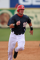 Washington Nationals Chris Snelling during a Grapefruit League Spring Training game at Spacecoast Stadium on March 19, 2007 in Melbourne, Florida.  (Mike Janes/Four Seam Images)