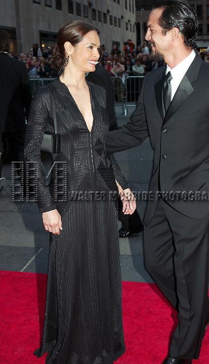 Talisa Soto and Benjamin Bratt.NBC's 75th Anniversary.Rockefeller Center, New York City . .May 5, 2002.© Walter McBride /  . ©
