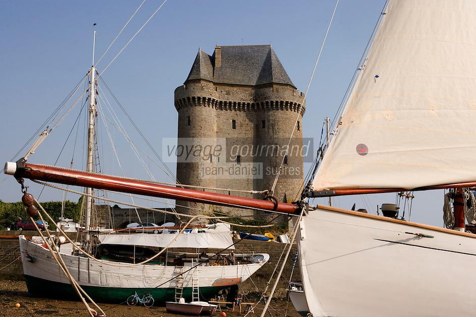 Europe/France/Bretagne/Ille et Vilaine/Saint-Malo/Saint-Servan-sur-mer: le port et la Tour Solidor batie en 1382 ,Musée International du  Long Cours Cap-Hornier