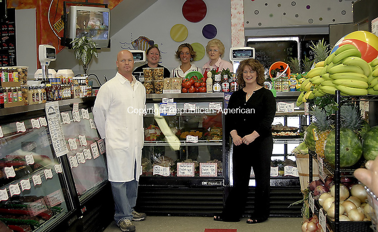 Oakville, CT - 25 APRIL 2007 - 042507DA01.jpg - Main St. Market. Owners standing in front l-r, Rich Capobianco, and , Deby Lund Capobianco. Back row, L-r, Sharon Fritz, Jannelle LeMay, and Linda Parker. For Marketplace. Darlene Douty. Republican-American.