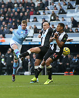 30th November 2019; St James Park, Newcastle, Tyne and Wear, England; English Premier League Football, Newcastle United versus Manchester City; Kevin de Bruyne of Manchester City scores with a thumping volley in the 82nd minute to make it 1-2 with Jonjo Shelvey and Isaac Hayden of Newcastle United closing in - Strictly Editorial Use Only. No use with unauthorized audio, video, data, fixture lists, club/league logos or 'live' services. Online in-match use limited to 120 images, no video emulation. No use in betting, games or single club/league/player publications