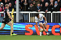 Anthony Watson of Bath Rugby scores a try in the second half. Aviva Premiership match, between Exeter Chiefs and Bath Rugby on December 2, 2017 at Sandy Park in Exeter, England. Photo by: Patrick Khachfe / Onside Images