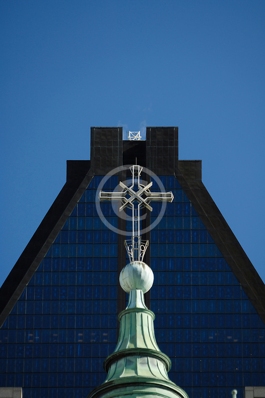 Canada, Montreal, Basilica of Notre Dame, roof decoration, cross