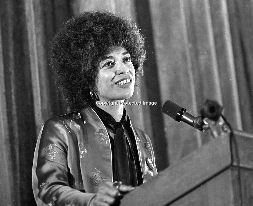 Activist Angela Davis speaking at Black Panther rally in Oakland, California 1980. (photo by Ron Riesterer)