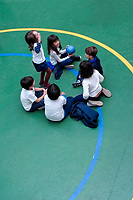 Crianças em recreio. Colegio Notre Dame, Sao Paulo. 2018. Foto de Xenia Marinho.