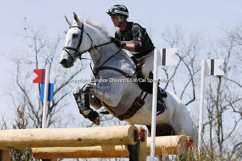 April 26, 2014: Avebury and Andrew Nicholson compete in Cross Country at the Rolex Three Day Event in Lexington, KY at the Kentucky Horse Park.  Candice Chavez/ESW/CSM
