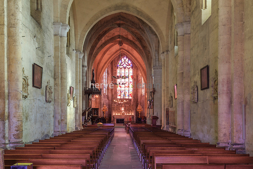 France, Gironde (33), Saint-Émilion, classé Patrimoine Mondial de l'UNESCO, la collégiale Saint-Émilion, la nef // France, Gironde, Saint Emilion, listed as World Heritage by UNESCO, collegiate church of Saint Emilion, the nave