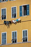 Europe/France/Corse/2B/Haute-Corse/Cap Corse/Nebbio/Bastia: façade des maisons sur le Vieux Port
