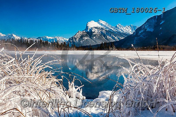 Tom Mackie, CHRISTMAS LANDSCAPES, WEIHNACHTEN WINTERLANDSCHAFTEN, NAVIDAD PAISAJES DE INVIERNO, photos,+Alberta, Banff National Park, Canada, Canadian, Canadian Rockies, Mt. Rundle, North America, Tom Mackie, USA, Vermillion Lake+s, hoar frost, horizontal, horizontals, ice, lake, lakes, landscape, landscapes, mountain,mountains, national park, reflect,+reflecting, reflection, reflections, rugged, season, snow, weather, winter, wintery,Alberta, Banff National Park, Canada, Can+adian, Canadian Rockies, Mt. Rundle, North America, Tom Mackie, USA, Vermillion Lakes, hoar frost, horizontal, horizontals, i+,GBTM180026-1,#xl#