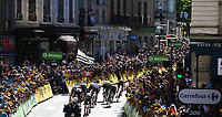 Picture by Simon Wilkinson/SWpix.com 16/07/2017 - Cycling Tour de France 2017 - Stage 16 - Laissac - Sévérac L' Elise - Le Puy En Velay - Chris Froome in YELLOW and GC contenders head to the finish