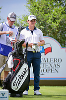 Bud Cauley (USA) looks over his tee shot on 18 during round 2 of the Valero Texas Open, AT&amp;T Oaks Course, TPC San Antonio, San Antonio, Texas, USA. 4/21/2017.<br /> Picture: Golffile | Ken Murray<br /> <br /> <br /> All photo usage must carry mandatory copyright credit (&copy; Golffile | Ken Murray)