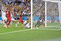 FUSSBALL WM 2014  VORRUNDE    GRUPPE G     Deutschland - Ghana                 21.06.2014 Miroslav Klose (re, Deutschland) erzielt das Tor zum 2:2. Bastian Schweinsteiger (lI) und (3. vl., alle Deutschland) jubeln bereits