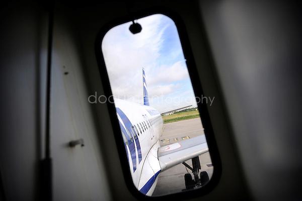 copyright : magali corouge / Documentography.10/06/09.Me?tier : Pilote..Vue de l'avion.