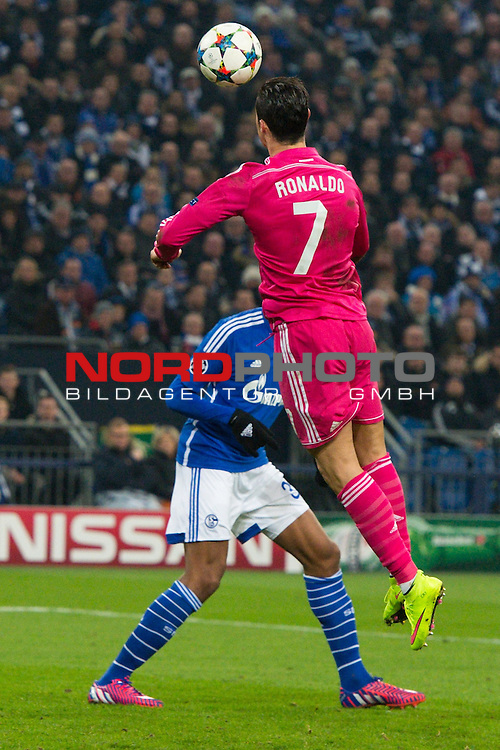 18.02.2015, VELTINS  Arena, Gelsenkirchen, GER, UEFA CL, FC Schalke 04 vs. Real Madrid CF, im Bild Kopfball Cristiano Ronaldo (#7 Madrid)<br /> <br /> <br /> Foto &copy; nordphoto / Kurth