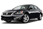 Low aggressive front three quarter view of a 2013 Nissan Altima SL
