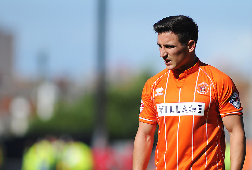 Blackpool's Jack Redshaw in action during todays match  <br /> <br /> Photographer Kevin Barnes/CameraSport<br /> <br /> Football - The Football League Sky Bet League One - Blackpool v Rochdale - Saturday 15th August 2015 - Bloomfield Road - Blackpool<br /> <br /> &copy; CameraSport - 43 Linden Ave. Countesthorpe. Leicester. England. LE8 5PG - Tel: +44 (0) 116 277 4147 - admin@camerasport.com - www.camerasport.com