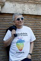Roma, 17 Maggio 2017<br /> Nichi Vendola<br /> In occasione della giornata internazionale contro l' omofobia, flashmob senatori e deputati Sinistra Italiana-Possibile davanti al Senato.<br /> I e le Parlamentari indossano una maglia con scritto: l'omofobia fa male al cuore, curala.
