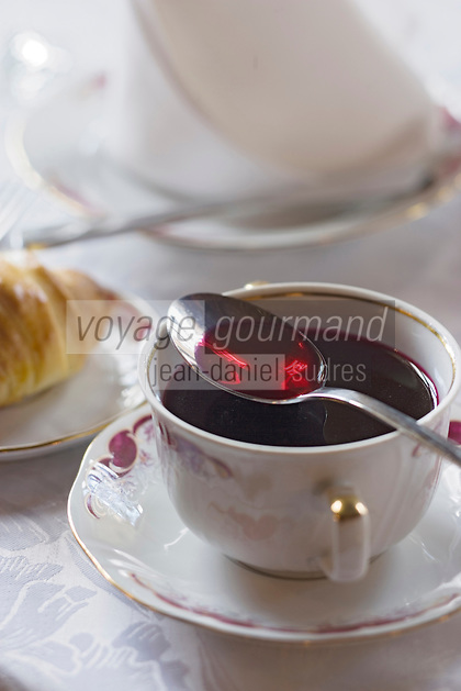 "Europe/Pologne/Lodz: Bortsch rouge au restaurant ""Klub Spadkolercow"" Club des Héritiers"