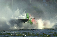 Frame 4: Wyatt Nelson suffers a major crash during the final when the stuffing box in his new Seebold F1 hull tears away from the boat during a turn..PROP-Cypress Gardens Shootout, Winter Haven, Florida, USA 22 October,2000 copyright©F.Peirce Williams 2000..F.Peirce Williams .photography.P.O.Box 455  Eaton,OH 45320 USA.p: 317.358.7326  e: fpwp@mac.com