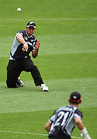 Ross Taylor tries to run out Virender Sehwag during the 2nd ODI cricket match between the New Zealand Black Caps and India at Westpac Stadium, Wellington, New Zealand on Friday, 6 March 2009. Photo: Dave Lintott / lintottphoto.co.nz