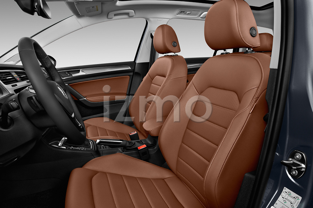Front seat view of a 2018 Volkswagen Golf Alltrack TSI SEL 4Motion DSG 5 Door Wagon front seat car photos