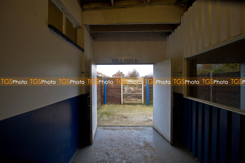 Players tunnel at Aveley Football Club - Aveley vs Ilford - Ryman League Division One North Football at Mill Field, Aveley, Essex - 01/12/12 - MANDATORY CREDIT: David Bauckham / TGSPHOTO/ CENTRE CIRCLE PUBLISHING - contact@tgsphoto.co.uk - NO UNPAID USE.