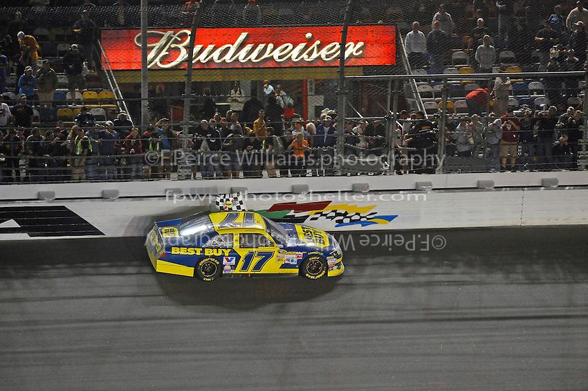 Winner Matt Kenseth (#17) does a victory lap.