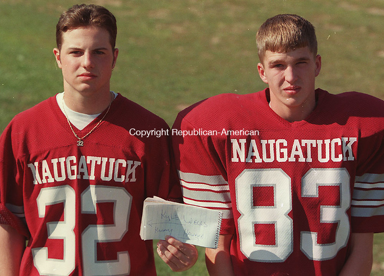 NAUGATUCK, CT 09/12/98--0912CA02.tif  (left to right:)Kyle Wells as #32 and Kenny Haward as #83 from Naugatuck football--CRAIG AMBROSIO staff photo for REPORTERS NAME / STANDALONE PHOTO  (Filed in Scans/Scan-In)