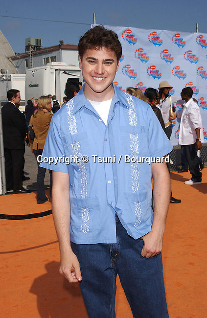 Donovan Patton arrives at the 15th Annual Nickelodeon Kids Choice Awards at the Barker Hangar in Santa Monica, CA on Saturday, April 20, 2002.           -            PattonDonovan_01.jpg