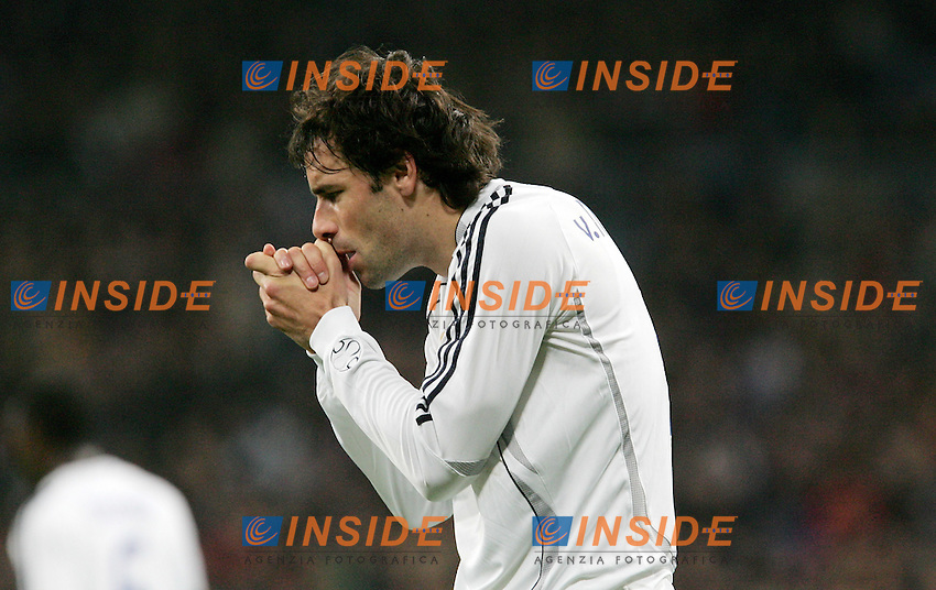 Real Madrid's Ruud van Nistelrooy reacts during Spain's La Liga match at Santiago Bernabeu stadium in Madrid, Sunday February 04, 2007. (INSIDE/ALTERPHOTOS/Alvaro Hernandez).