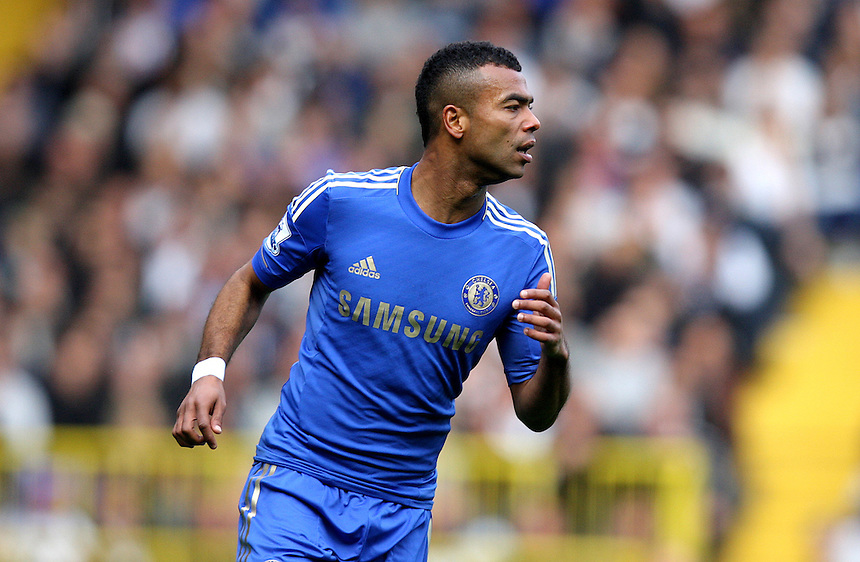 Chelsea's Ashley Cole ..Football - Barclays Premiership - Satuday 20th October 2012 - Tottenham Hotspur v Chelsea - White Hart Lane - London..