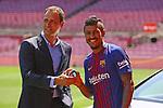 Presentation of Paulinho Bezerra as new player of the FC Barcelona.<br /> Xavier Aguilar &amp; Paulinho.