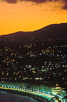 Europe/France/Provence-Alpes-Côte d'Azur/06/Alpes-Maritimes/Nice: Promenade des anglais, vue générale au soleil couchant