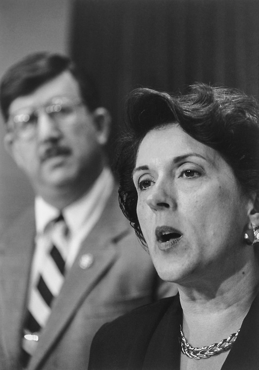 Rep. Jon D. Fox, R-Pa., and Rep. Linda Smith, R-Wash., at a Council on Foreign Relations press conference on July 18, 1995. (Photo by Maureen Keating/CQ Roll Call)