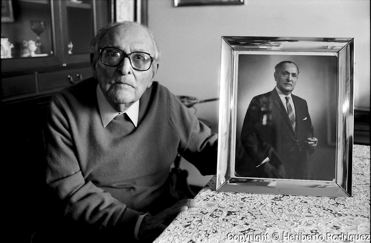 Archive photo of Mexican general consul Gilberto Bosques, (1892-1995), during an interview in his Mexico City's home, September 21, 1994. Consul Bosques supported the exit to Mexico of a great number of Jews, of leaders of the Austrian and French Resistance, and Spanish republicans during the years of the Nazi occupation. © Photo by Heriberto Rodriguez