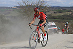 The tail enders climb sector 8 Monte Santa Maria during Strade Bianche 2019 running 184km from Siena to Siena, held over the white gravel roads of Tuscany, Italy. 9th March 2019.<br /> Picture: Seamus Yore | Cyclefile<br /> <br /> <br /> All photos usage must carry mandatory copyright credit (© Cyclefile | Seamus Yore)