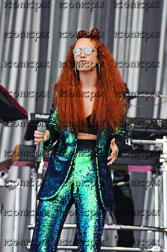 JESS GLYNNE - performing live on the Pyramid Stage on Day One of the Glastonbury Festival 2016 at Worthy Farm Pilton Somerset UK - 24 Jun 2016.  Photo credit: Zaine Lewis/IconicPix