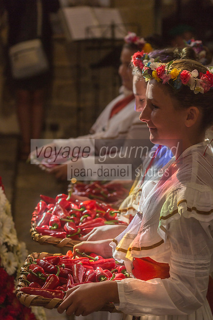 France, Aquitaine, Pyrénées-Atlantiques, Pays Basque,  pendant la fête du piment d'Espelette, messe à l'église Saint-Etienne , Bénédiction des piments //  France, Pyrenees Atlantiques, Basque Country, Espelette:   during Espelette pepper festival , Mass at the church, Blessing Espelette peppers: