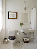 This guest bathroom offers a combination of simplicity and comfort