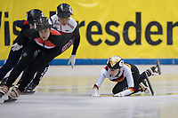 1st February 2019, Dresden, Saxony, Germany; World Short Track Speed Skating; 1000 meters women in the EnergieVerbund Arena. Gina Jacobs (r) from Germany crashes on a curve.