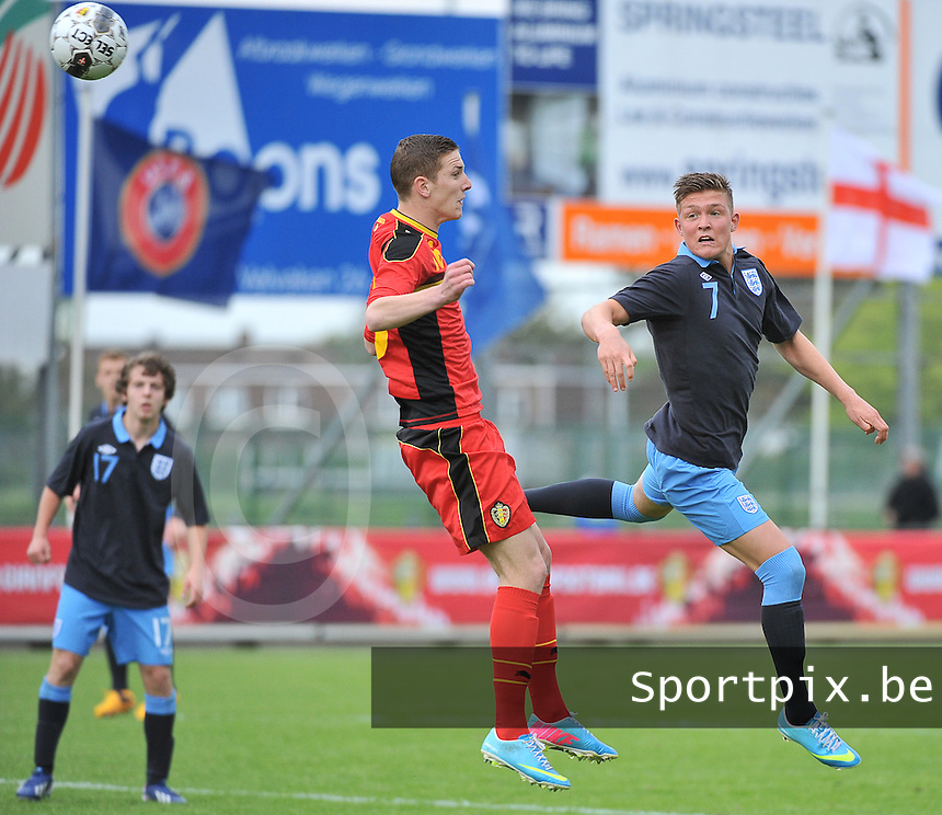 Belgium U19 - England U19 : Headingduel between Gianni De Neve (left) and Maximilian Clayton (7).foto DAVID CATRY / Nikonpro.be