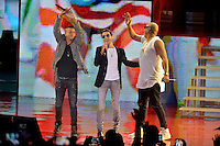MIAMI, FL - OCTOBER 29: Marc Anthony (C) and  Gente de Zona performs at the Jennifer Lopez Gets Loud for Hillary Clinton at GOTV Concert in Miami at Bayfront Park Amphitheatre on October 29, 2016 in Miami, Florida. Credit: MPI10 / MediaPunch
