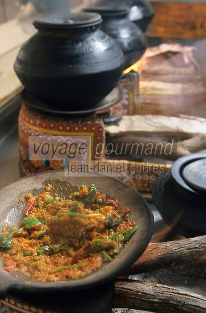 """Asie/Inde/Rajasthan/Udaipur: Hôtel """"Taj Lake Palace"""" sur le lac Pichola - Dans les cuisines, garniture pour pain"""