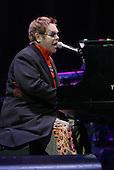 ELTON JOHN (2005)