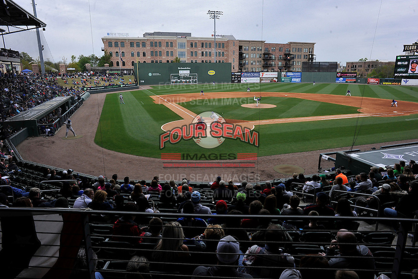 Photo of the Greenville Drive in a game against the Asheville Tourists on Sunday, April 10, 2016, at Fluor Field at the West End in Greenville, South Carolina. (Tom Priddy/Four Seam Images)