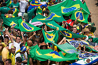 BRASILIA, DF, 01.01.2019 - BOLSONARO-POSSE-    Povo em frente ao Palácio do Planalto, durante a posse do presidente da República, Jair Bolsonaro, nesta terça-feira, 01.(Foto:Ed Ferreira / Brazil Photo Press)