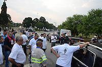 SÃO PAULO,SP, 21.10.2015 - TRANSPORTE-SP - Veículos que seriam utilizados como Uber são apreendidos na região do Parque do Ibirapuera na região sul de São Paulo, nesta quarta-feira, 21. (Foto: Eduardo Martins/Brazil Photo Press)