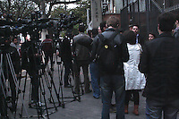 SAO PAULO, SP, 28.09.2013 -JOSÉ DIRCEU JULGAMENTO MENSALÃO -  Prédio onde o ex-ministro chefe da Casa Civil, José Dirceu acompanha sessão que pode por um fim ao julgamento do mensalão no Supremo Tribunal Federal, no apartamento onde reside seu irmão Luiz, na Rua Estado de Israel, na Vila Mariana, em São Paulo (SP), nesta quarta-feira (18).(Fotos: Carlos Pessuto/Brazil Photo Press).