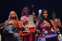 RIO DE JANEIRO-05 DE MAIO DE 2012-VIRADAO CARIOCA- O Bloco Mulheres de Chico agita a noite do evento com cancoes de Chico Buarque.Foto: Marcelo Fonseca-Brazil Photo Press